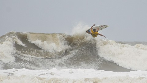 Surf na Ilha do Mel